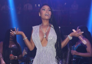 Nicki Minaj Rings In New Year 2017 At E11EVEN Miami
