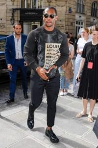 Louis Vuitton Outside Arrivals Paris FW Menswear Spring Summer 2017